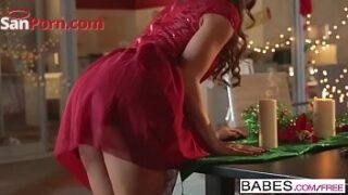 Brunette obsessed enjoys  juicy christmas present